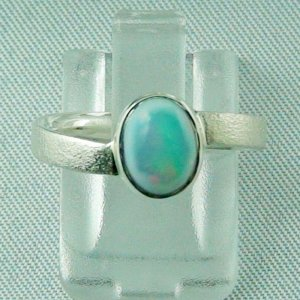 2.66 gr Opalring, Silberring mit Welo Opal 0.82 ct