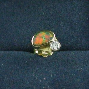 1,23 gr Ohrstecker, Herren Ohrring 18k Gold, 0,42 ct Black Opal