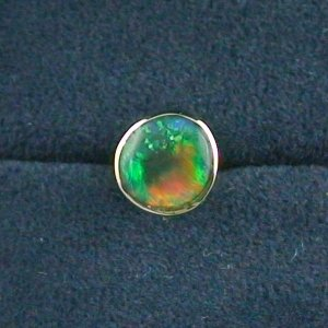 1,23 gr Ohrstecker, Ohrring 18k Gold, 0,62 ct Black Crytal Opal