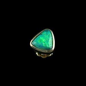 1.34 gr ear stud, 0.93 ct black opal earring 18k gold