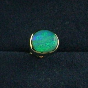 1,45 gr Ohrstecker, Ohrring 18k Gold, 1,03 ct Black Crytal Opal