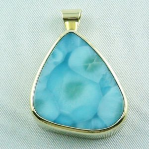 14.01 gr. gold pendant with 43,98 ct larimar gemstone