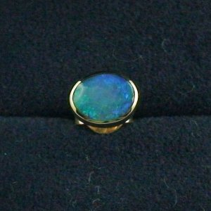 1,02 gr Ohrstecker, Ohrring 18k Gold, 0,62 ct Black Crytal Opal