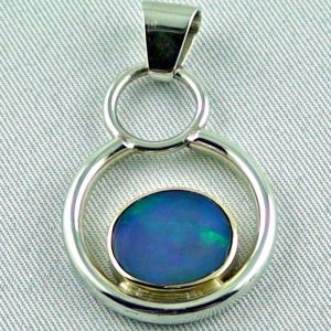 5,64 gr. silver pendant or opalpendant with 2,89 ct Welo Opal