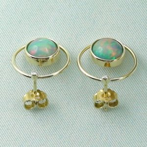4.00 gr. opal ear studs, earrings 18k gold with 2.62 ct welo opals, pic4
