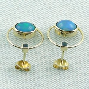 4.48 gr. opal ear studs, earrings 18k gold with 2.99 ct welo opals, pic4