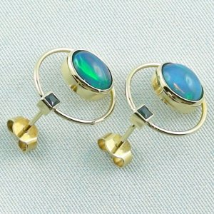 4.48 gr. opal ear studs, earrings 18k gold with 2.99 ct welo opals, pic5