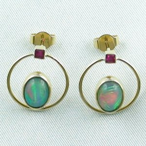 4.15 gr. opal ear studs, earrings 18k gold with 2.63 ct welo opals