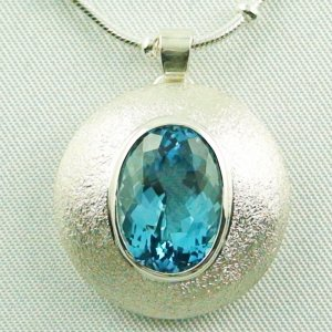 14.79 gr. Silver pendant and necklace with 7.64 ct blue topaz, pic1