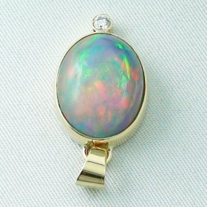 5.42 gr. gold pendant with 10.64 ct Welo Opal, pic4