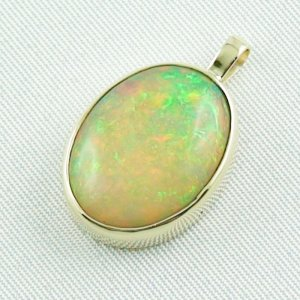 4.78 gr. Gold pendant with 7.67 ct Welo Opal, pic2