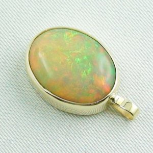 4.78 gr. Gold pendant with 7.67 ct Welo Opal, pic3