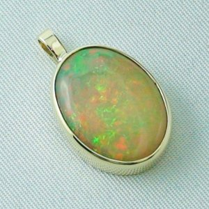 4.78 gr. Gold pendant with 7.67 ct Welo Opal, pic6