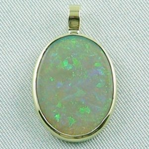 2.73 grams. Gold pendant with 7,57 ct Black Crystal Opal, pic1