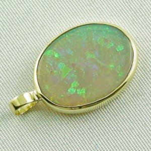 2.73 grams. Gold pendant with 7,57 ct Black Crystal Opal, pic5