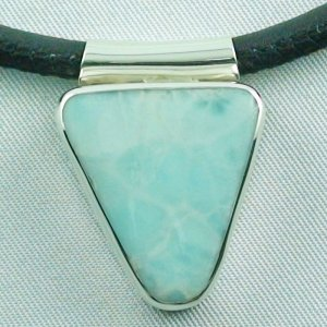 10.91 gr. Larimar pendant, silverpendant 935, leather necklace