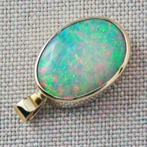 3.81 gr. 14k Gold pendant with 6.99 ct Top Welo Opal, pic5