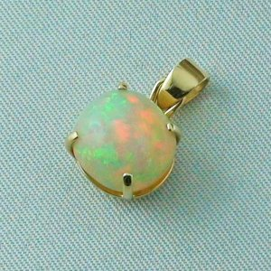 opalpendant, gold pendant 18k with Welo Opal, diamond, pic2