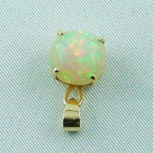 opalpendant, gold pendant 18k with Welo Opal, diamond, pic4