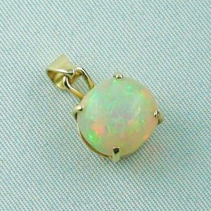 opalpendant, gold pendant 18k with Welo Opal, diamond, pic6