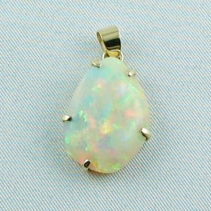 4,35 gr. opalpendant, gold pendant 18k with Welo Opal 10,40 ct