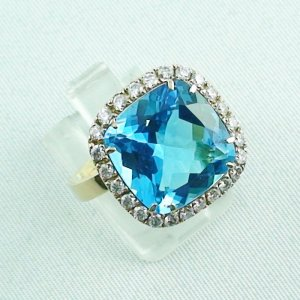 8,60 gr Goldring 18k, blue topaz ring with diamonds, ladies ring, pic5