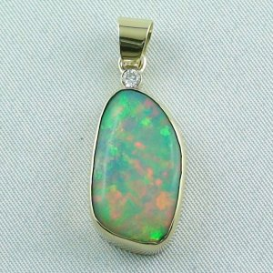 6,60 gr opalpendant, gold pendant 18k with Welo Opal, diamond, pic1