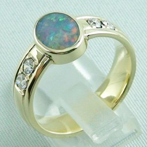 10.13 gr opalring, 14k goldring, ladies ring semi black opal and diamonds, 3