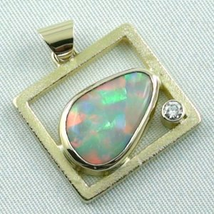 8,61 gr opalpendant, gold pendant 18k with white opal, diamond, pic6
