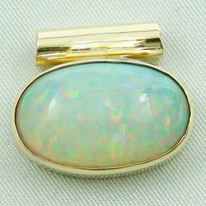 6,96 gr opalpendant, gold pendant 14k with Welo Opal, diamond, pic1