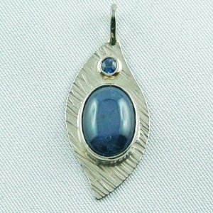 6.03 gr. white gold pendant 18k with starsapphire and sapphire