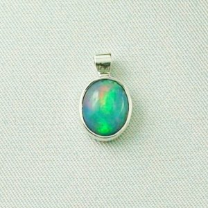 1.29 gr silver 935 opal-pendant with Welo Opal 2.07 ct