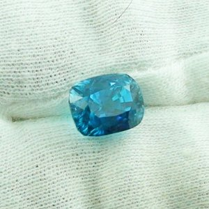 8.60 ct zircon gemstone jewelry stone 10.40 x 8.20 x 9.00 mm
