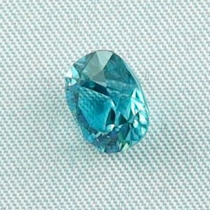 3.66 ct zircon gemstone jewelry stone 8.92 x 7.98 x 5.78 mm, pic2