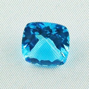 AAA Blautopas 11,32 ct Swiss Blue - custom cushion cut - beste Qualität