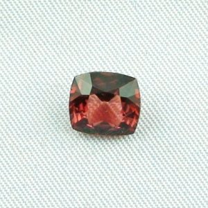 2.35 ct Garnet gemstone Rhodolite 8.26 x 7.56 x 4.45 mm, pic1