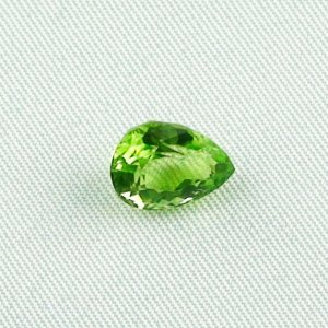 3.27 ct peridot gemstone jewelry stone 10.47 x 8.03 x 5.90 mm