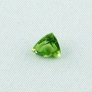 3.14 ct peridot gemstone jewelry stone 10.07 x 8.31 x 6.35 mm