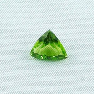 3.99 ct peridot gemstone jewelry stone 10.75 x 10.67 x 6.02 mm