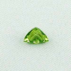 2.93 ct peridot gemstone jewelry stone 8.06 x 10.19 x 6.60 mm, pic1