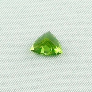 2.93 ct peridot gemstone jewelry stone 8.06 x 10.19 x 6.60 mm, pic5