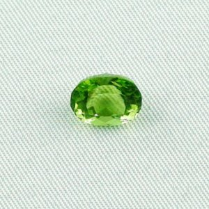 2.93 ct peridot gemstone jewelry stone 9.27 x 7.37 x 5.97 mm