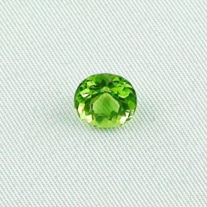 2.59 ct peridot gemstone jewelry stone 8.49 x 7.98 x 5.74 mm