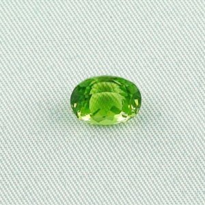 2.98 ct peridot gemstone jewelry stone 9.47 x 7.26 x 5.99 mm