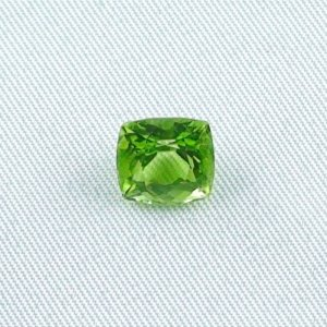3.23 ct peridot gemstone jewelry stone 8.47 x 8.16 x 5.89 mm