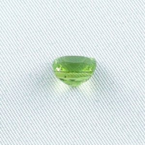 3.23 ct peridot gemstone jewelry stone 8.47 x 8.16 x 5.89 mm, pic3