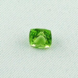 3.02 ct peridot gemstone jewelry stone 8.10 x 7.74 x 6.22 mm, pic1