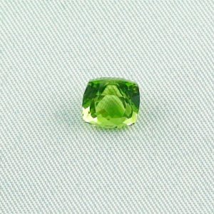 2.71 ct peridot gemstone jewelry stone 7.51 x 7.36 x 6.33 mm