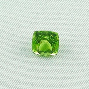 3.64 ct peridot gemstone jewelry stone 8.43 x 8.48 x 6.35 mm