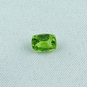 1.75 ct peridot gemstone jewelry stone 8.15 x 6.12 x 4.27 mm